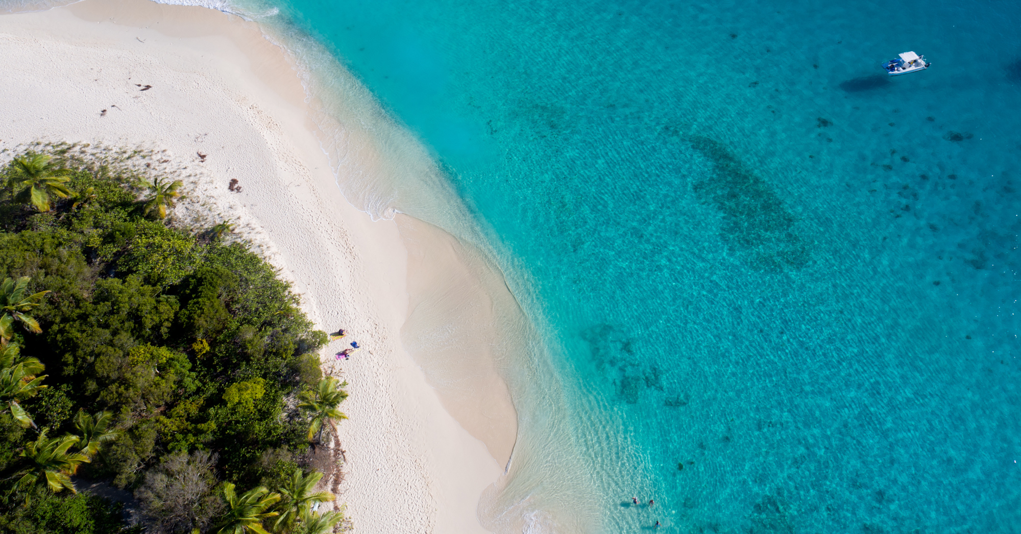 Flights to Bahamas with BahamasAirTours and visit Treasure Cay and Green Turtle Cay. Day trip from Florida to Bahamas or take a private bahamas charter flights. Our unique Treaure Cay flights will have you visiting the Abacos and Green Turtle Cay.