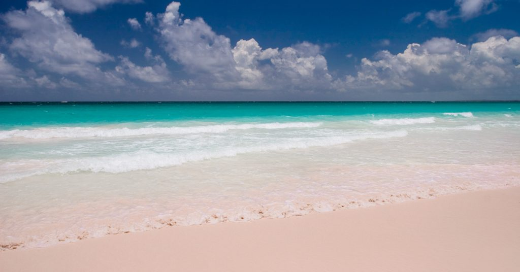 Pink Sands Beach in Harbor Island Bahamas. Bahamas Air Tours provides flights from Florida to Bahamas, with Day Trips and multi-day tours. Our North Eleuthera Flights provide customers with a stay at the Pinks Sands Resort on the Pink Sands Beach at Harbour Island Bahamas.