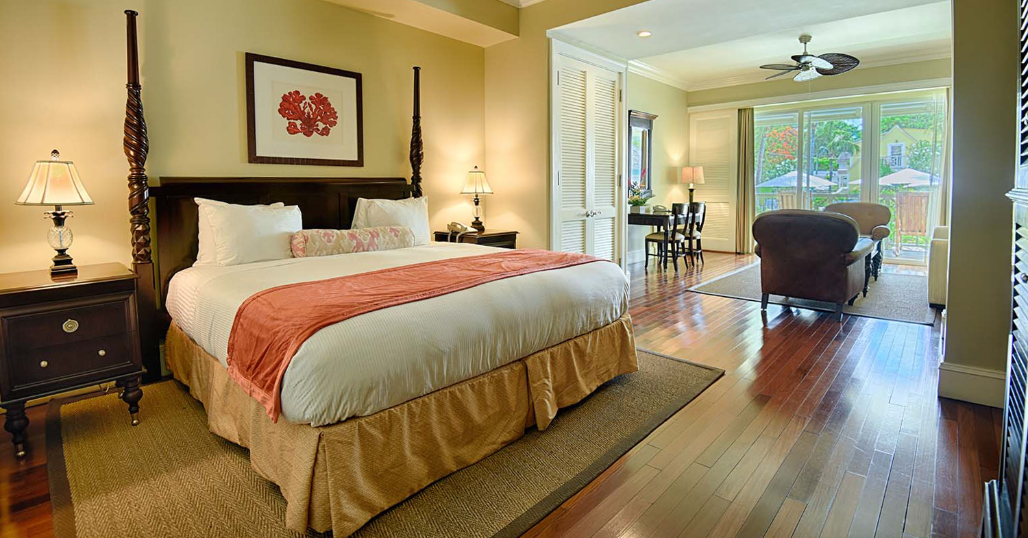 Valentines Resort on Harbour Island Bahamas. Visit the colonial Dunmore Town on Eleuthera Island. Bahamas Tours with Bahamas Air Tours and private Bahamas Air Charter services.