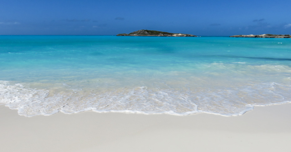 Explore Tropic of Cancer Beach on Little Exuma on a Bahamas Tour with Bahamas Air Tours. Private Bahamas air charter flights to great Exuma. Little Exuma is part of the Exumas Bahamas