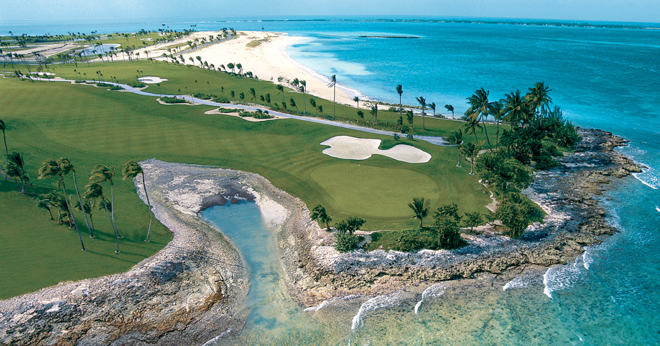 Things to do in Nassau Paradise Island, golf course at the ocean club Nassau Bahamas. Fly to New Providence Island with Bahamas air tours; Day trips to Bahamas and Bahamas Island Hopping Tours.