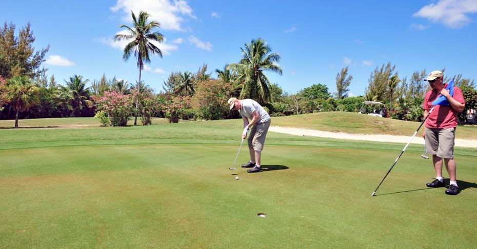 Treasure Cay Bahamas golf course at the Treasure Cay Resort and Marina on Great Abaco Island. Treasure Cay flights with Bahamas Air Tours
