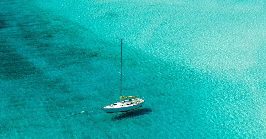 Bahamas Tour and Sailing the Abaco Bahamas islands including Treasure Cay, Green Turtle Cay, Elbow Cay. Copyright Bahamas Ministry of Tourism
