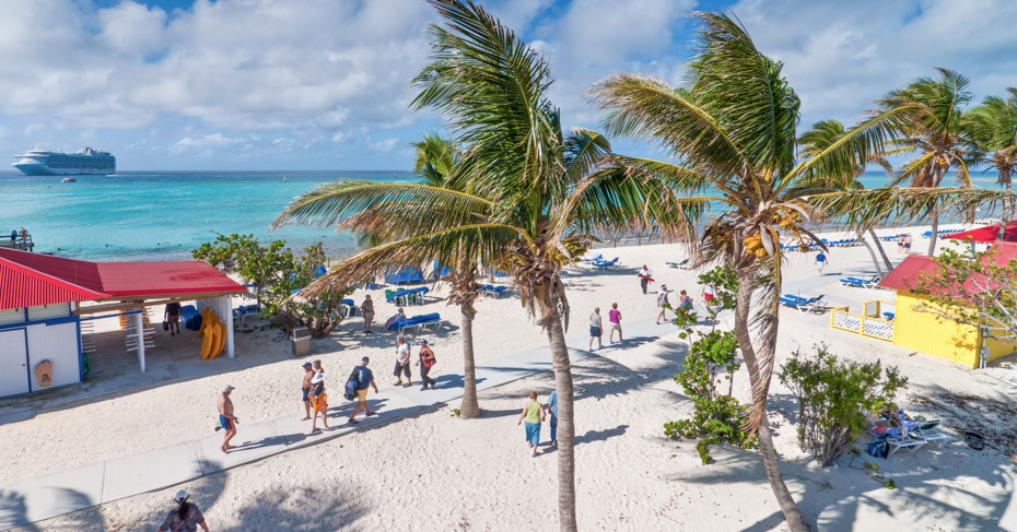 Eleuthera Bahamas Resorts; Tourists enjoy a sunny day on the sandy beach of Princess Cays, Eleuthera Bahamas. Discover a one day Bahamas cruise or Bahamas island hopping tours with Bahamas Air Tours.