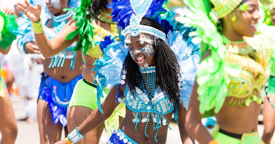 Bahamas Carnival Junkaoo Parade. What is Junkanoo? The junkanoo is the annual Bahamas Carnival held in Nassau and Grand Bahama.