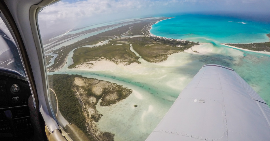Charter flights to Bahamas by private plane charter. How much is it to charter a plane? How to charter a plane are our frequent questions which we answer in in our guide to Charter flights and private plane charter