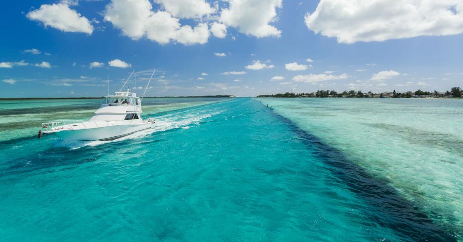 Bahamas Fishing Nassau on a Bahamas fishing charters boat with Bahamas Air Tours. Discover the best Bahamas Fishing experiences.