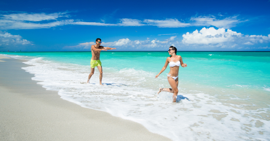Best Beaches in Nassau Bahamas from Cable Beach to Cabbage Beach. Explore the top beaches on your Bahamas Tour with Bahamas Air Tours