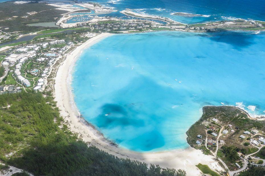 Emerald Bay Bahamas, fly to Great exuma with Bahamas Air Tours and discover the paradise in the Exumas Bahamas at the Grand Isle resort & spa, one of the best place to stay in Exuma.