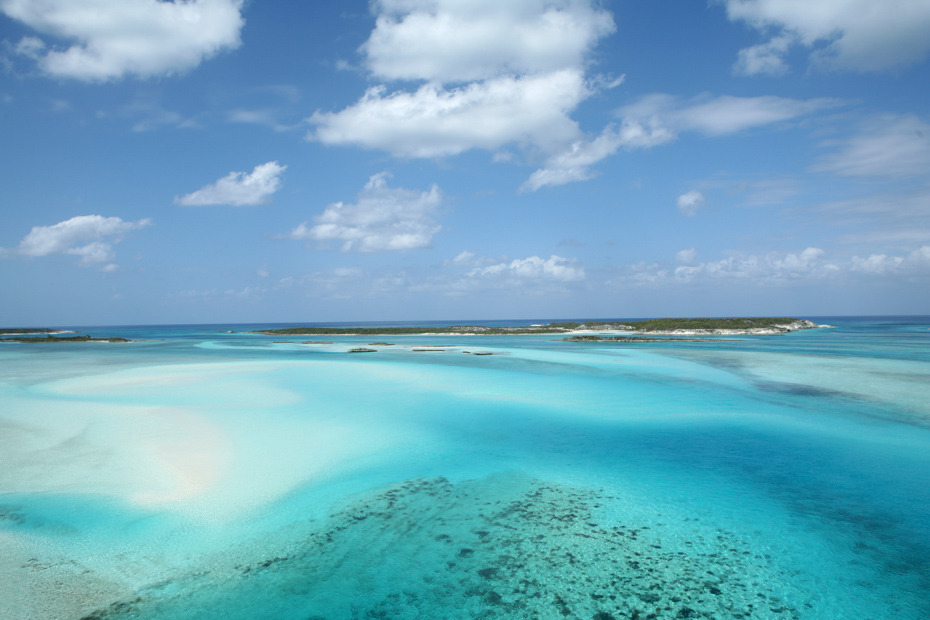 Bahamas cruise from Miami to Exumas island by plane with Bahamas Air Tours. Enjoy views of the Bahamas Sea and Exuma Islands on your Bahamas Day Cruise