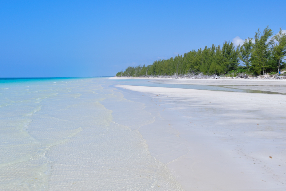 Freeport Bahamas Beaches, the best Bahamas Beach? the beautiful Gold Rock Beach on Grand Bahama island excursions. Fly from West Palm beach to freeport Bahamas with Bahamas Air Tours. The top Things to do in Freeport Bahamas