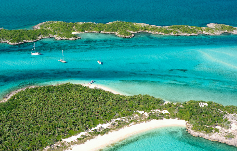 How to get to Exuma Bahamas with flights from Bahamas AIr Tours, Florida to Staniel Cay flights.
