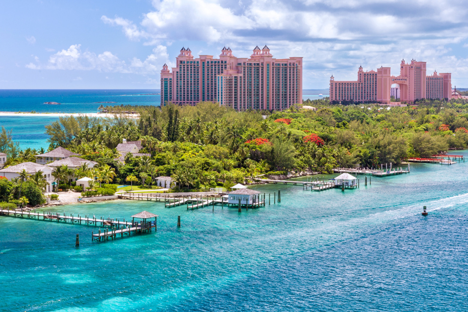 Read on for Atlantis Bahamas travel tips including Atlantis Bahamas reviews on Atlantis hotel and resort. Bahamas Air Tours gives you your guide to Day Trips to Bahamas attractions.
