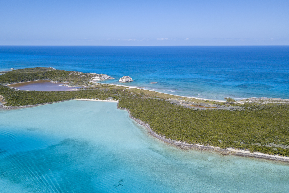 Aerial shot of the beautiful Bahamas islands. The best all inclusive resorts in Bahamas Nassau are listed in this article.