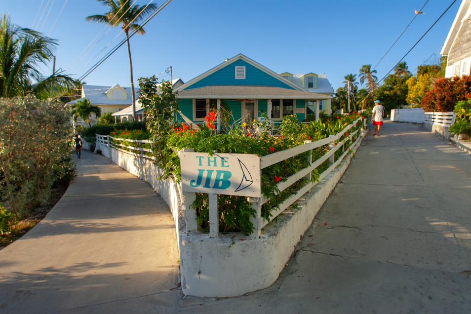Traditional loyalist house in Hope Town Bahamas. Tour the neighborhoods of Hope Town Abaco and other things such as the Hope Town Lighthouse on a Bahamas day tour.