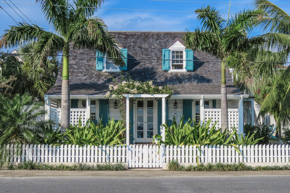 Check out all the things to do in Harbour Island like the Harbor Island Bahamas Loyalist Cottage and more. Eleuthera Bahamas is filled with fun for the whole Bahamas vacation.