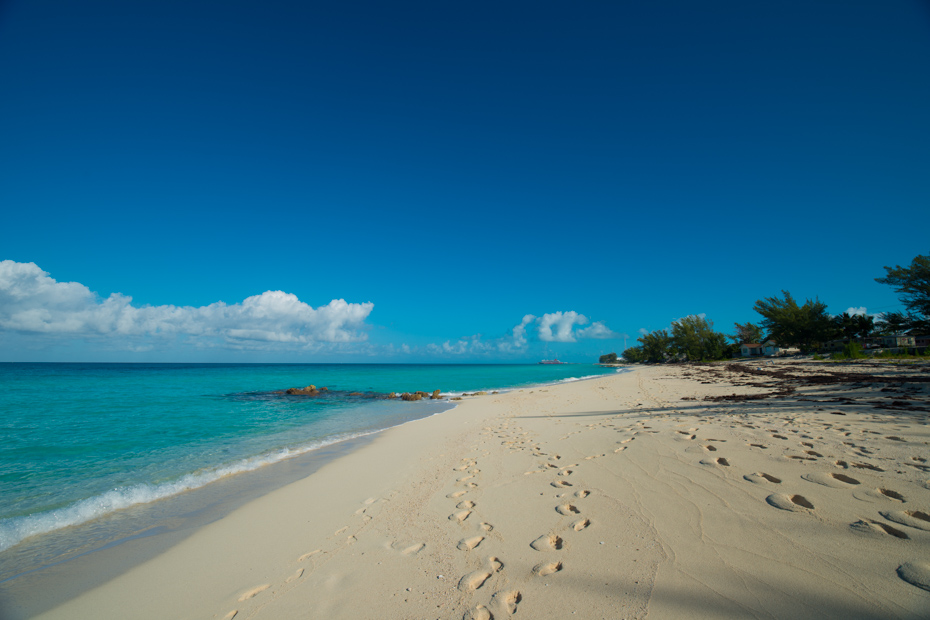 Take a break on one of the many Bimini Beaches on your Bimini Day Cruise with Bahamas Air Tours.