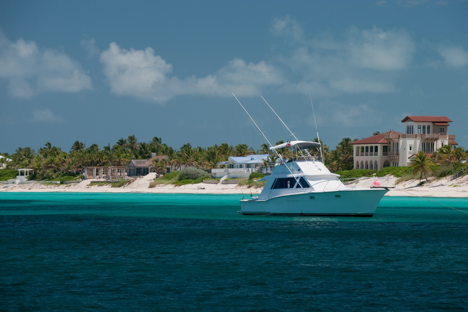 Instead of the Bimini ferry from Miami, opt to fly. It will get you to Bimini Bahamas faster so you can relax in your Bimini resort and enjoy your one day cruise to Bimini in style.