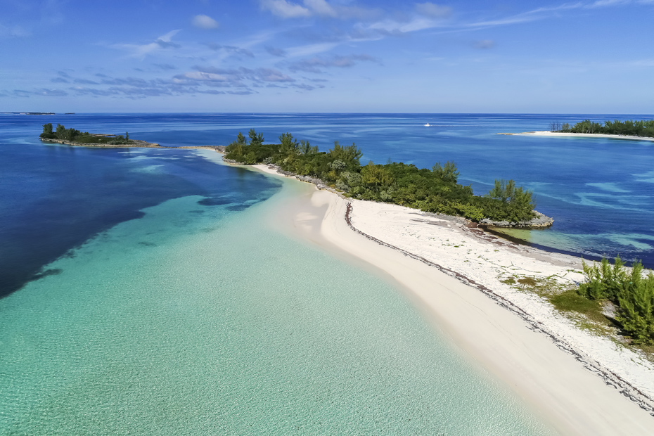 Take a trip to Bahamas with us today. See the best island in Bahamas. Go from Nassau to Staniel Cay day tour with Bahamas Air Tours.