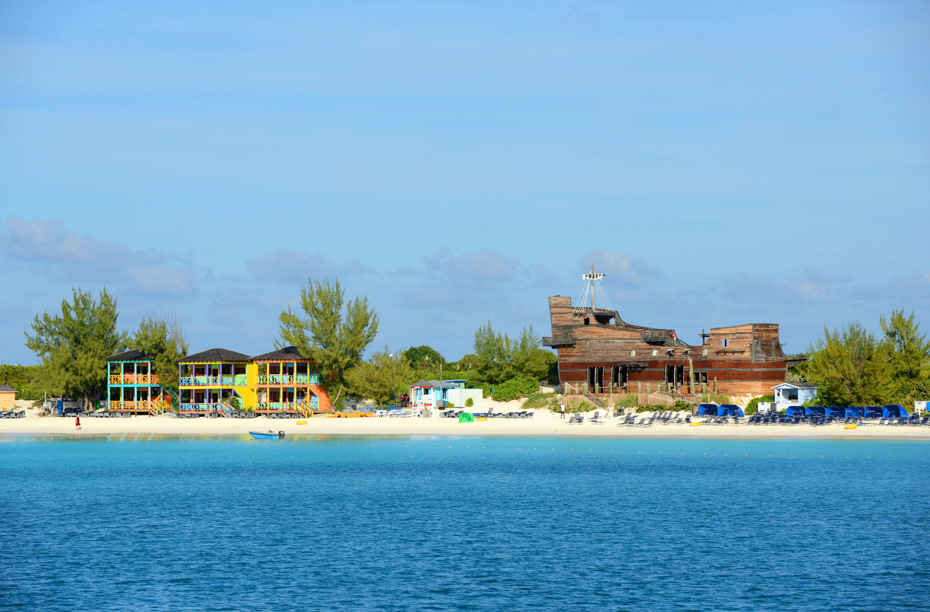 Half Moon Cay Bahamas is picture-perfect. Half Moon Island is an oasis away from the crowds. Bahamas Air Tours gives you your guide to Day Trips to Bahamas.