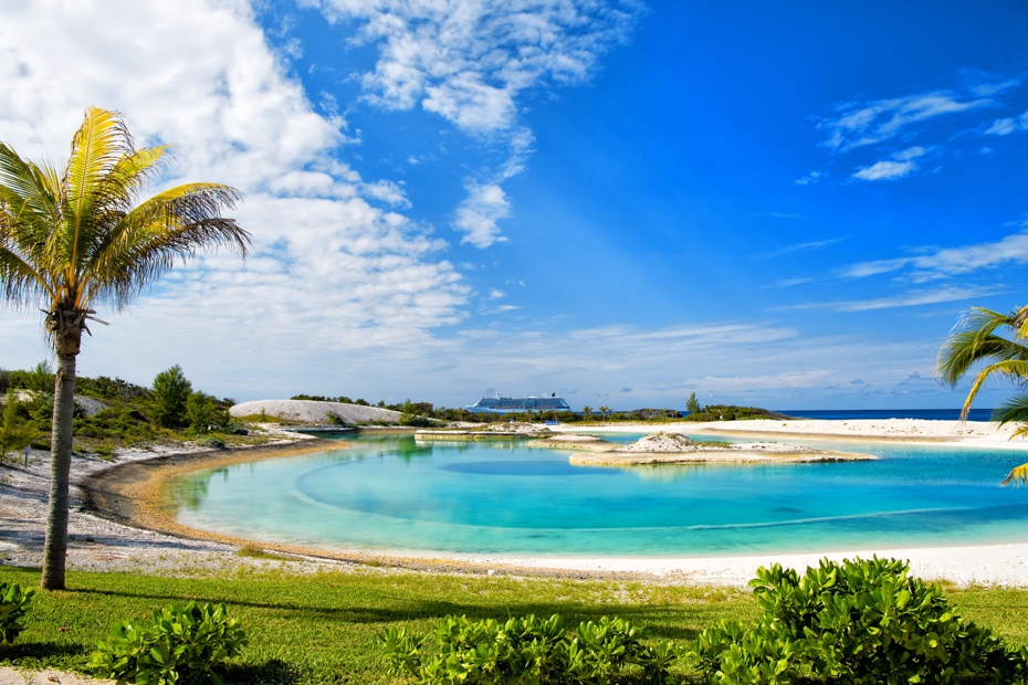 Little Stirrup Cay is a Norwegian private island. Go from Nassau to Staniel Cay day tour with Bahamas Air Tours.