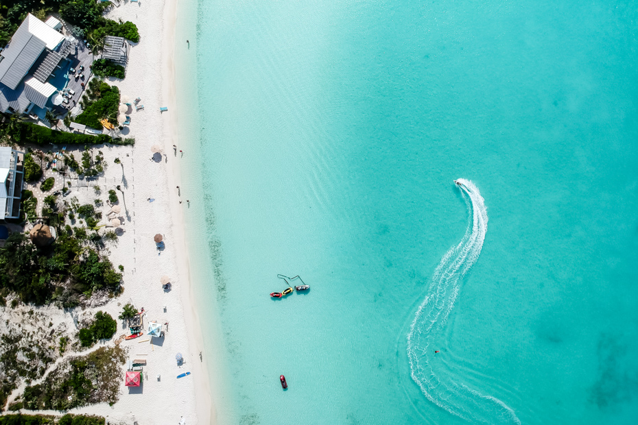 What a view and what pretty water! A Fort Lauderdale to Bahamas day trip will fill your entire Bahamas vacation itinerary.