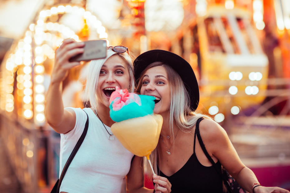 Finding the best selfie spots in front of Florida attractions is one of the things to do in Orlando for adults like at Universal Studios.