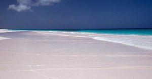 Day trip to Pink Sands Beach on Harbour Island Eleuthera with Bahamas Air Tours. Fly from Nassau to Pink Sands Beach by Plane and enjoy a full day trip of Harbour Island and Dunmore Town.
