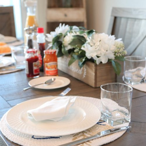 Staniel Cay Hotels - enjoy a full cooked breakfast every morning at the Staniel Cay villas at Staniel Cay lagoon in the Bahamas.