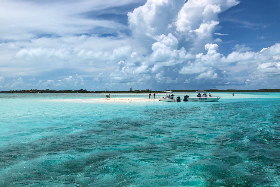 day trip to bahamas exuma by plane to staniel cay and the Exuma Sand Bar. Take a bahamas adventure with Bahamas Air Tours on a Miami to Bahamas Day Trip from Fort Lauderdale.