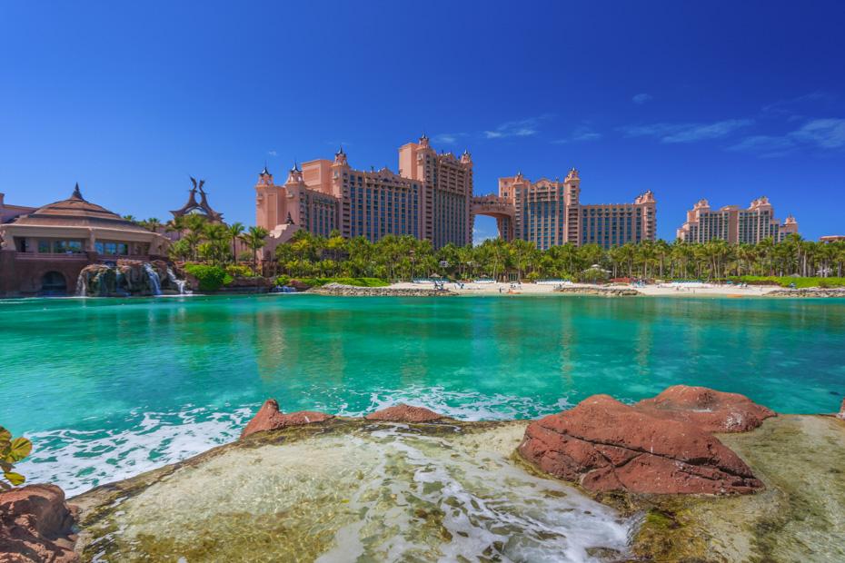 nassau day trips to paradise island, Atlantis Resort and Casino in Nassau New Providence. Take a Nassau to Exuma Day Trip by plane from Nassau to Exuma with Bahamas Air Tours.