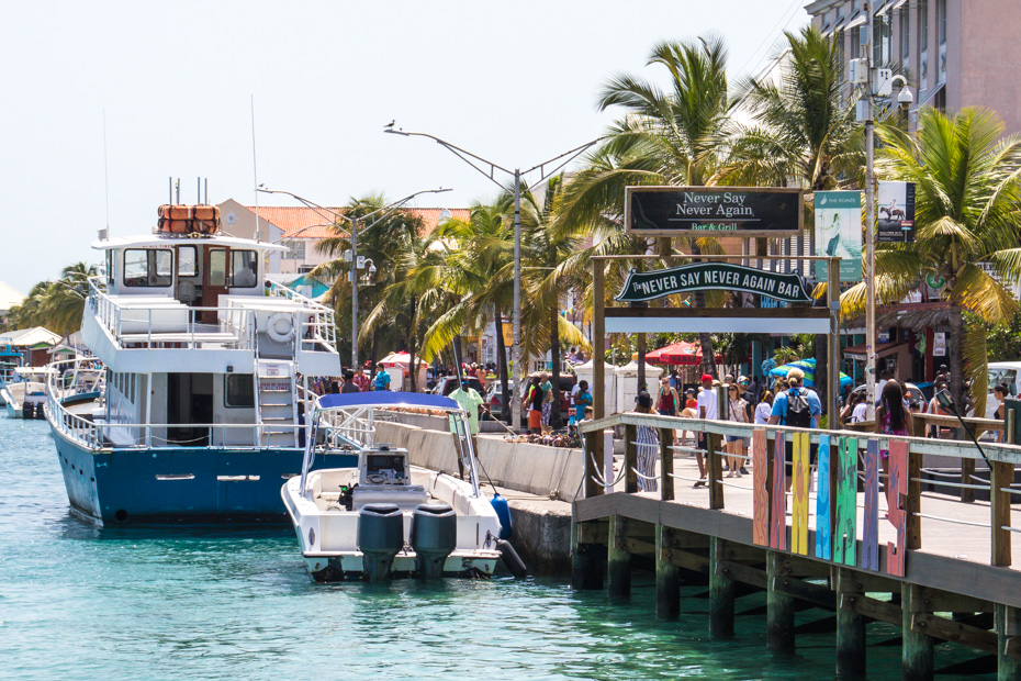 Things to do in nassau bahamas on a cruise. The Nassau waterfront promenade is what first greets Bahamas Cruise day trippers in Nassau. There are many things to do in Nassau port along Main Street and Bay Street.