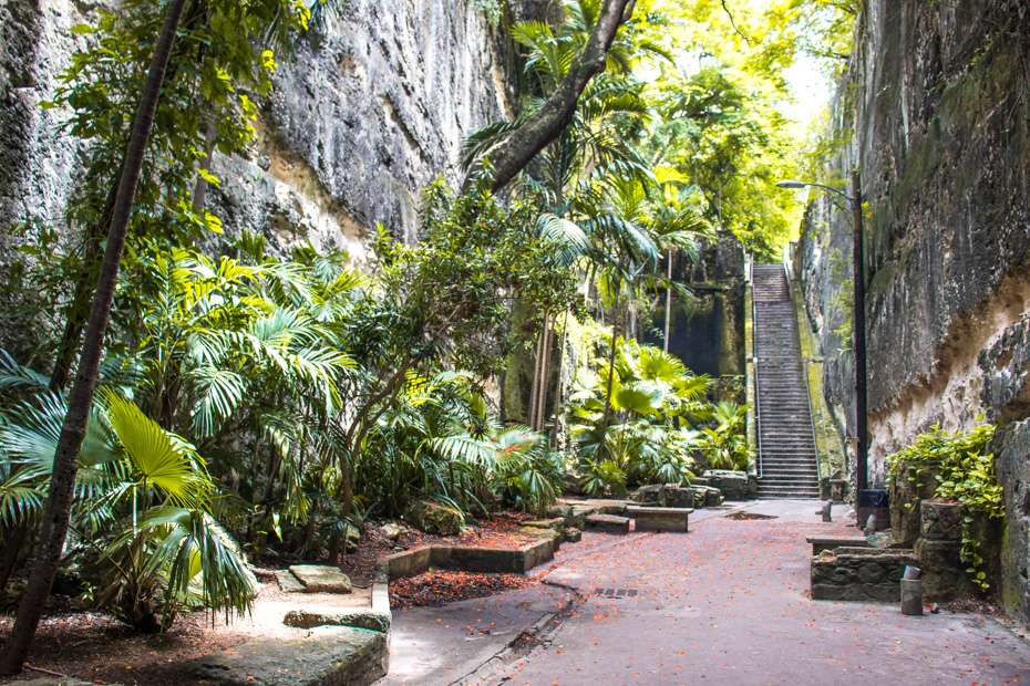 Things to do in nassau bahamas on a cruise - visiting the Queens Staircase close to Fort FIncastle in Nassau old town