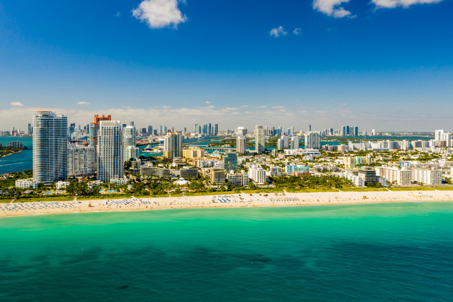 what to do in Miami Florida, visit the South Beach on Miami Beach, SoBe lifestyle and from Ocean Drive to Lumnus Park, there are many fun things to do in Miami Florida