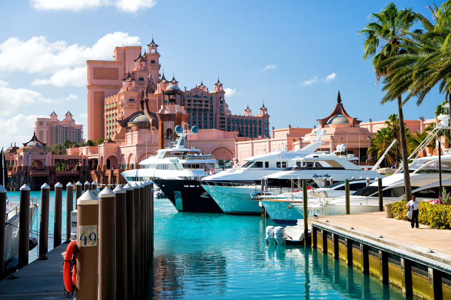 Bahamas Atlantis resort is one of the best place to stay in Bahamas. Atlantis Resort is located on Paradise Island in Nassau, New Providence. With a casino, conference center, beaches, aquaventure water park, Atlantis Paradise Island is truly one of the best island to stay in bahamas