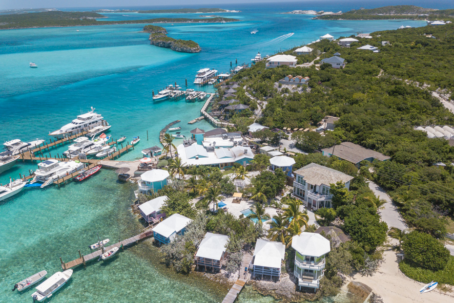 Best Place to stay in Bahamas Staniel Cay Resort is Staniel Cay Island, a small island in the Exuma Cays Bahamas. The Staniel Cay YAcht Club (SCYC) is a focal point fo the tiny Staniel Cay Exuma island. Staniel Cay is certainly the best place to go in the Bahamas because its the closest island to the Bahamas Swimming Pigs at Pig Beach, Big Major Cay