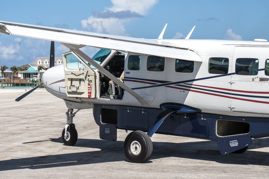 Flights from Florida to Bahamas with Bahamas Air Charter flights from Bahamas Air Tours. Fly from Miami to Staniel Cay Exuma for a private Bahamas Vacation adventure. Charter flights from Fort Lauderdale to Bahamas