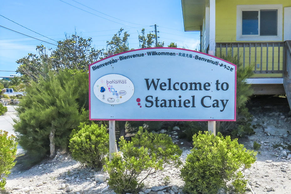 Fly to Staniel Cay Airport in Exuma with Bahamas Air Charter flights from Florida to Bahamas with Bahamas Air Tours. Charter flights from fort Lauderdale to Bahamas
