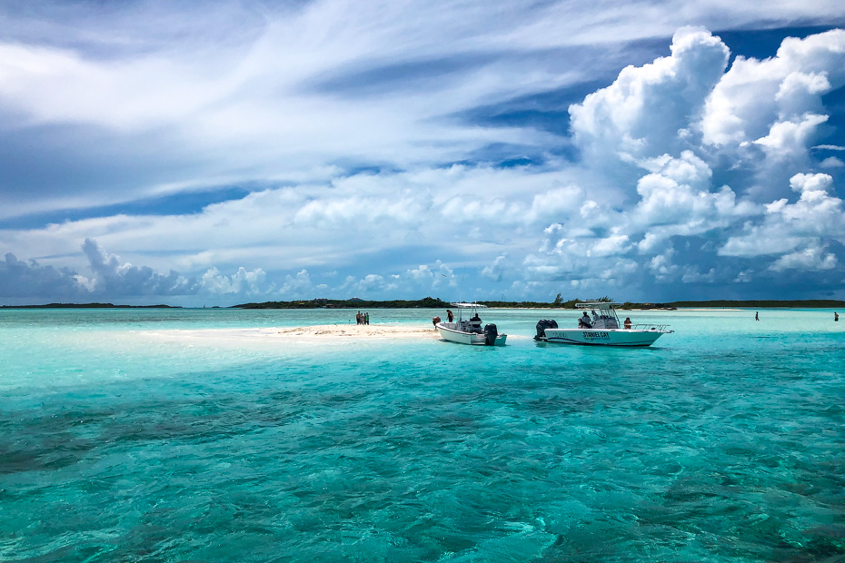 Day Trips from Nassau Bahamas to Exuma with Bahamas Air Tours. Visit the Bahamas Sand Bar at Pipe Creek with Bahamas Air Tours by plane to Staniel Cay Exuma. The best exuma tours from Nassau are by plane.
